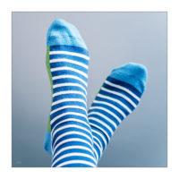 Sockenschuss mit neuen Ringelsocken © 2020 Sabine Lommatzsch