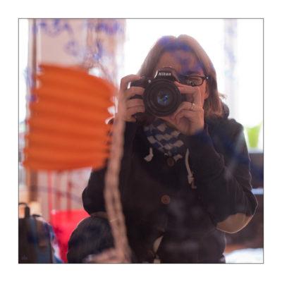 Selbstportrait mit Nikon im April 2015 © Sabine Lommatzsch