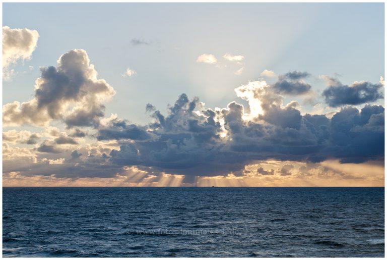 Nordsee mit Wolke © 2012 Sabine Lommatzsch