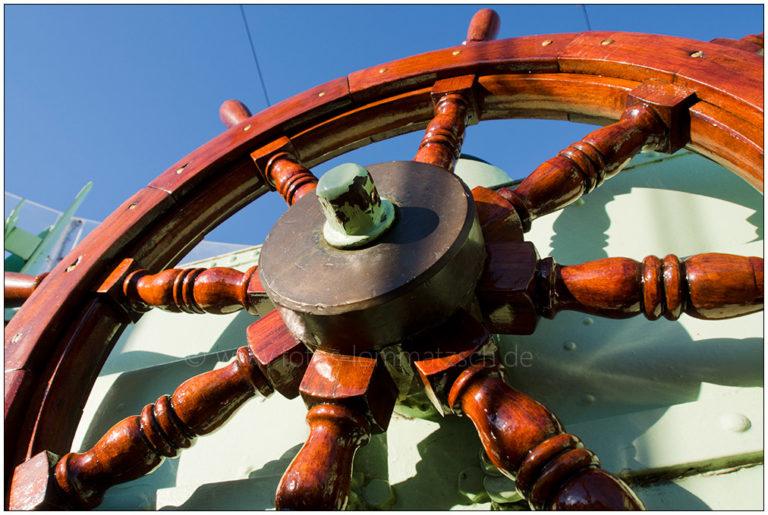 """Auf der """"Hindenburg"""" (Seenotrettungsboot Museumshafen Kiel) © 2013 Sabine Lommatzsch"""
